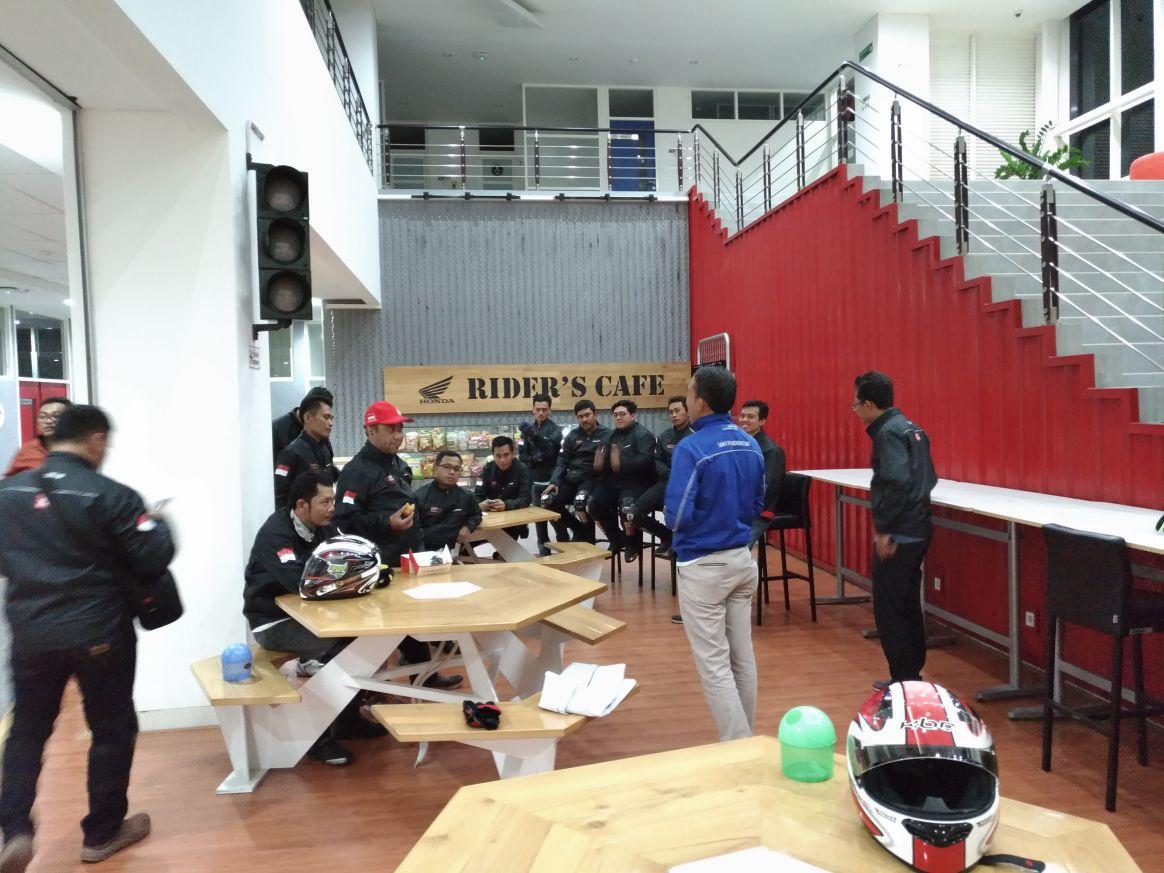MPM ajak Blogger& Vlogger Touring Kemerdekaan RI kunjungi Makam Proklamator – Blitar !!